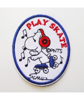 Snoopy play skate Embroidered Iron On / Sew On Patch